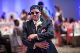 Guy-wearing-wedding-sunglasses