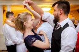 guy-girl-dancing-twirl