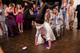 wedding-guest-break-dancing