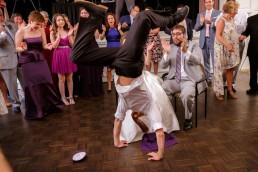 wedding-guest-break-dancing